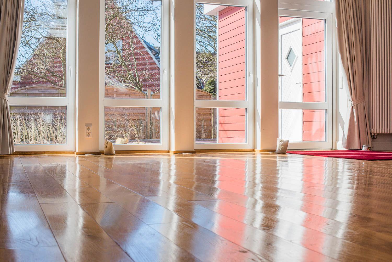 Nei-Bauhof-Fenster-Lonicer